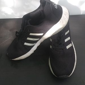 Mens Newer ADIDAS Shoes Size 12.5